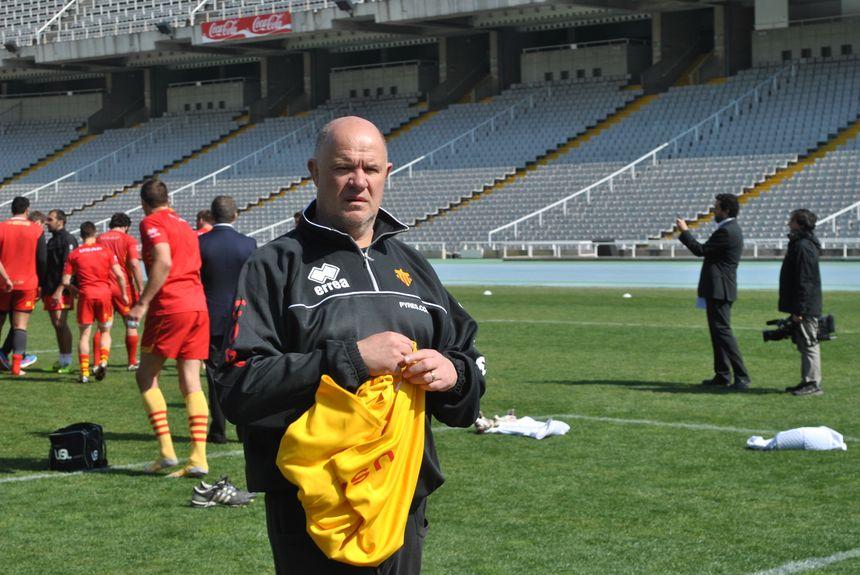 L'entraîneur de l'USAP Marc Delpoux à l'entraînement à Montjuic - Radio France - Cyrille Manière