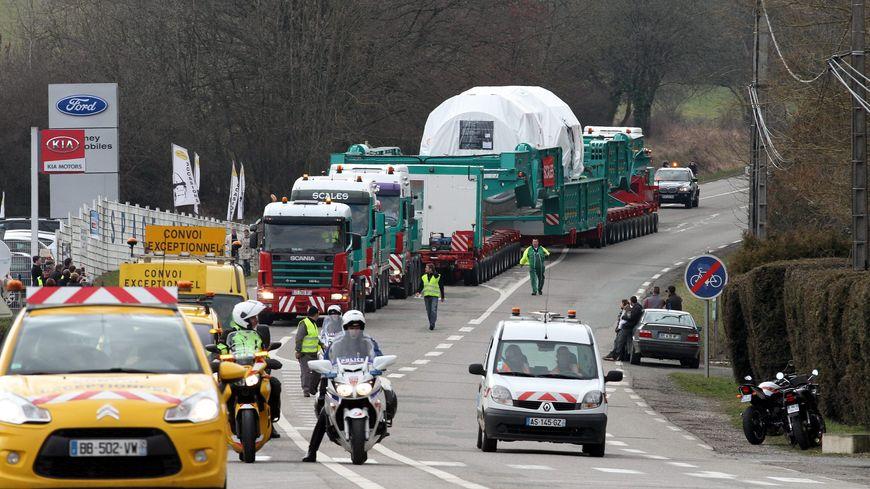 Le convoi exceptionnel à la sortie de Belfort