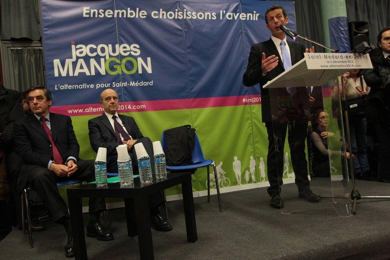 Jacques Mangon le candidat de la droite à la tribune - Maxppp