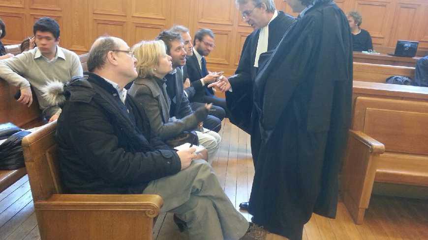 La famille et les avocats de Nicole El Dib