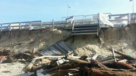 Le mois dernier les accès à la plage ont disparus