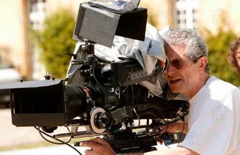 Claude Lelouch sur le tournage du film Le courage d'aimer - D.R