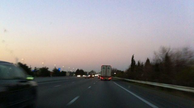 L'autoroute A7 en fin d'après midi ce dimanche 16 mars 2014, en pleine alerte pollution mais avec du vent.