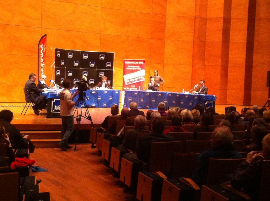 200 personnes ont assisté au débat organisé par France Bleu Isère et Le Dauphiné Libéré à la MC2 de Grenoble - Radio France