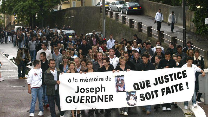 Marche silencieuse à la mémoire de Joseph Gerdner en mai 2008