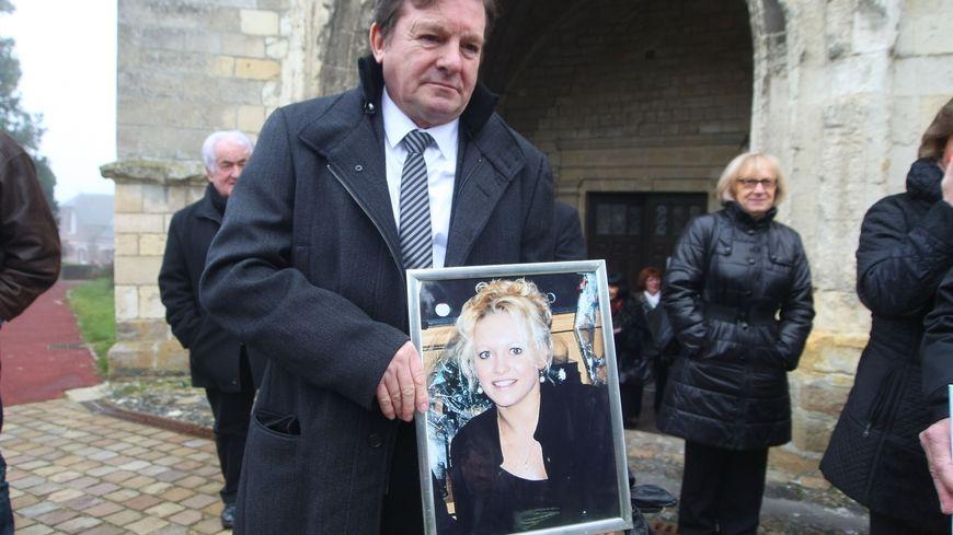Jacky Kulik, le père d'Élodie, lors d'une messe en mémoire de sa fille en janvier 2014.