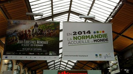 La Normandie s'affiche dans les gares Montparnasse et Saint-Lazare à Paris.