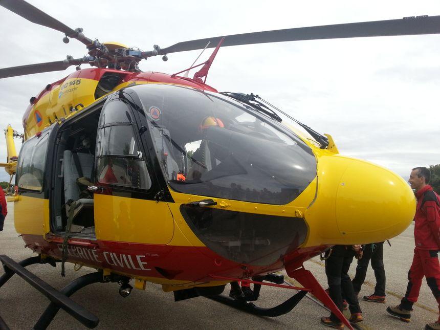 L'hélicoptère EC 145 de la Sécurité Civile sur le port de Valence - Radio France