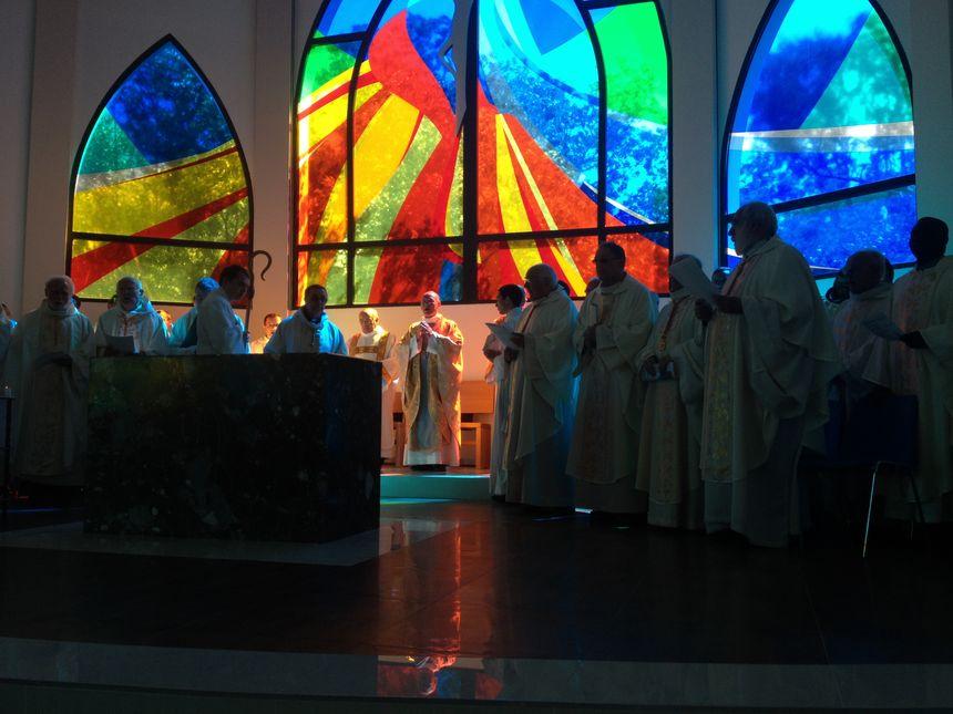 Dernière célébration à Perpignan pour Monseigneur Marceau qui part à Nice - Radio France