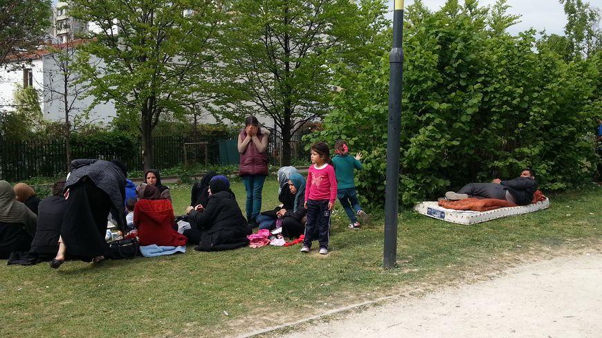 Réfugiés syriens dans le square de Saint-Ouen