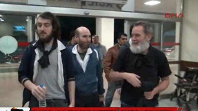 Premières images des otages français libérés, diffusée par une télévision turque