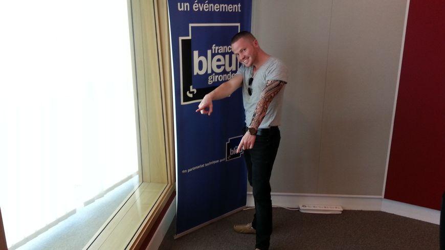 Frantz Maillart dans les studios de France Bleu Gironde