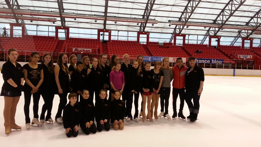 Florent Amodio et les espoirs de l'Amiens Patinage Club