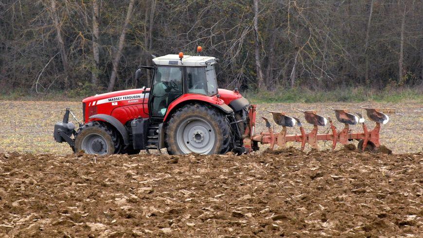 Un agriculteur verbalisé avec son tracteur à Cannes alors qu'il n'y est jamais allé (Photo d'illustration)