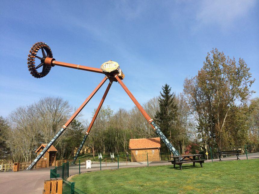 Eretic, l'une des attractions à sensation forte du parc Festyland. - Radio France