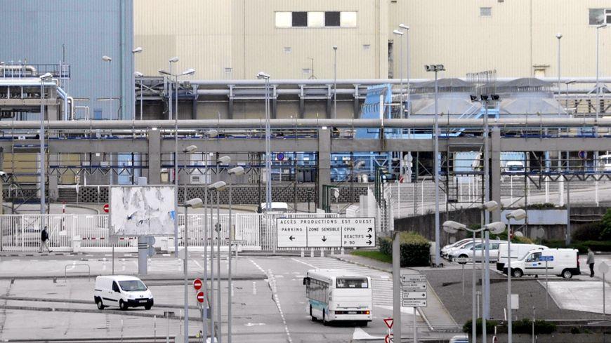 L'usine Areva de la Hague, premier centre de recyclage industriel de combustibles nucléaires