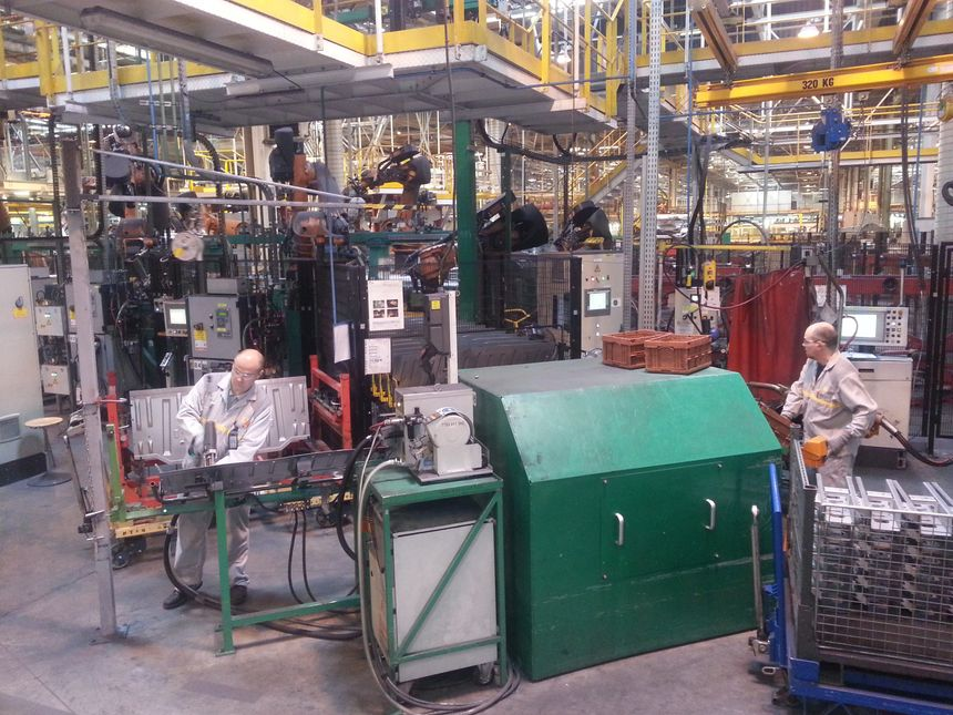 SOVAB - Renault - Master - usine - Lorraine - utilitaire  - Radio France