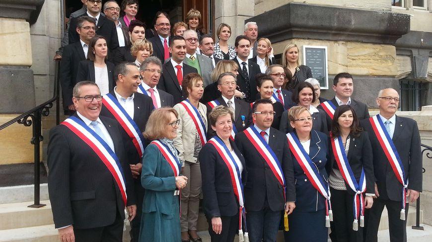 Le Conseil Municipal de Roanne, version 2014-2020, autour du maire Yves Nicollin