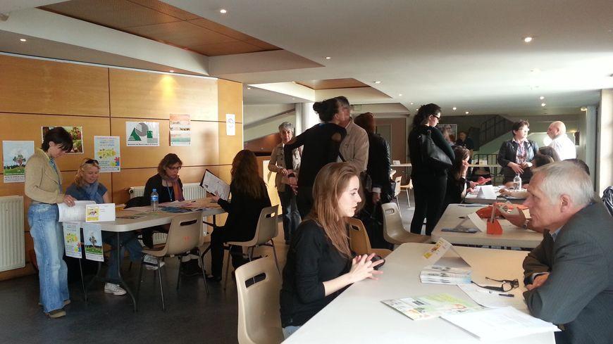 Près de 41 employeurs de Dordogne étaient présents pour proposer leurs offres d'emploi estivales.