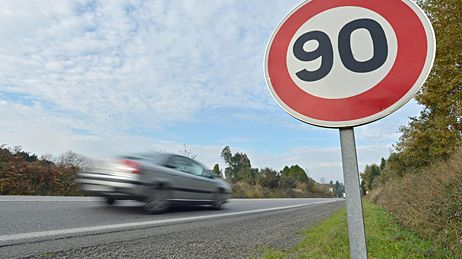 Panneau de limitation de vitesse 90 km/h