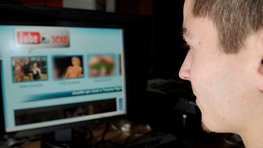 Un quart des hommes affirme être complexé par la taille de son pénis après avoir vu un film porno