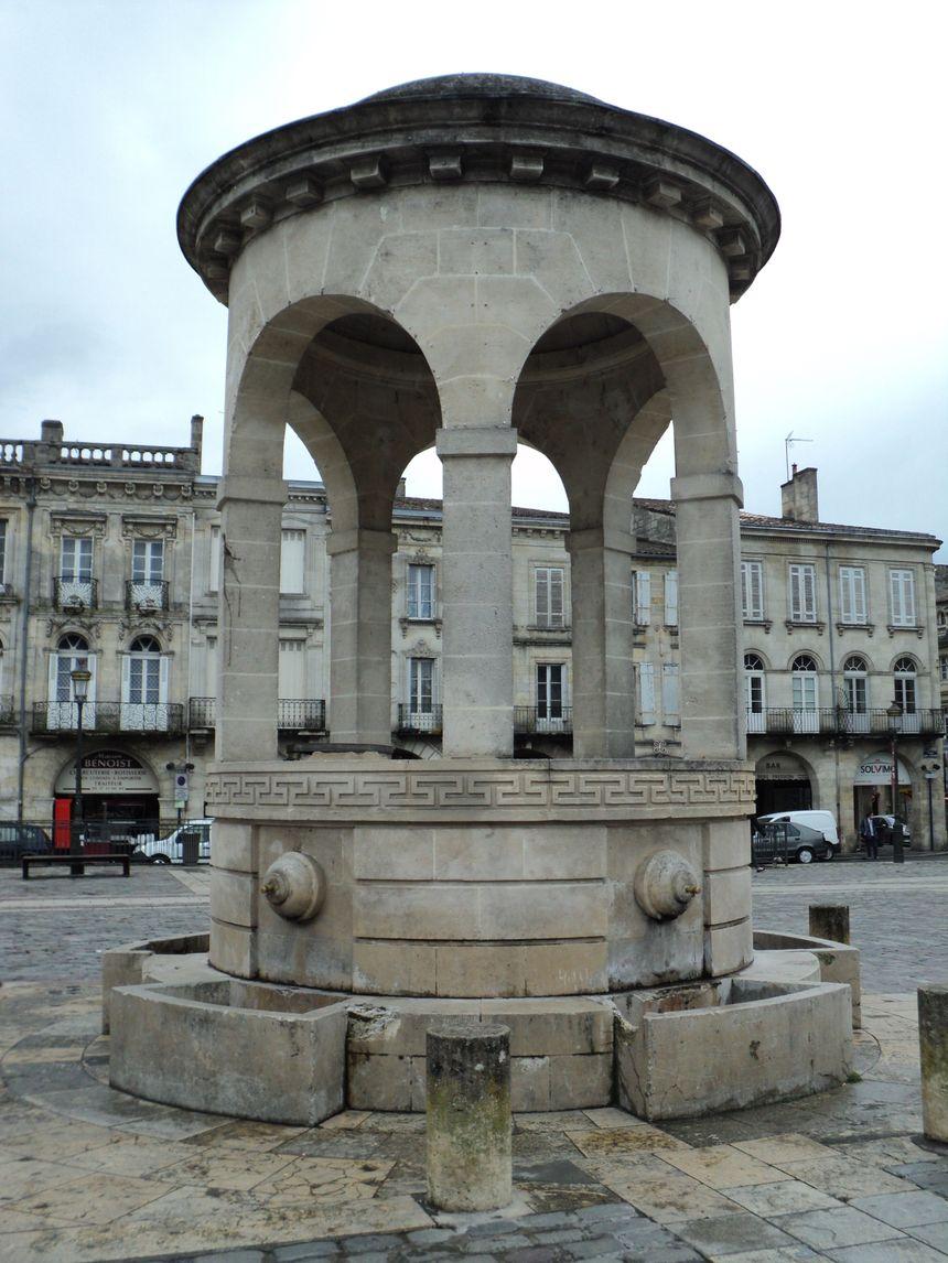 La fontaine de la place Abel Surchamp, à Libourne - Radio France