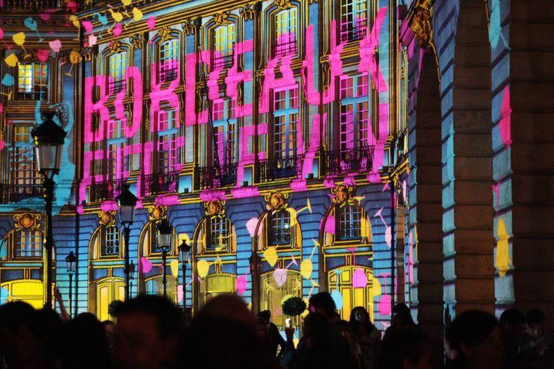 Les façades de la place de la Bourse illuminées  - Maxppp