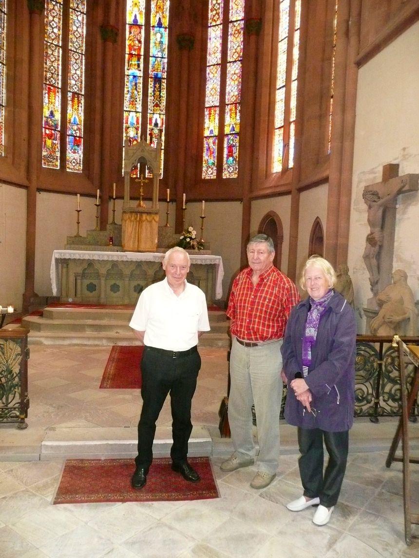 Prosper Moritz, mr le maire de Niederhaslach, Joseph Schaller et Liliane Schmidt  - Radio France