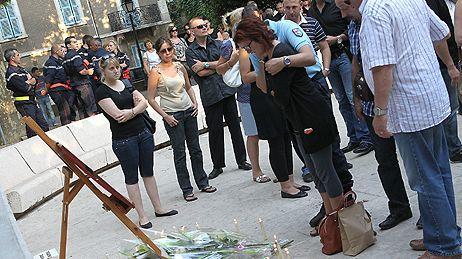 2012 : hommage de la municipalité  et des familles aux deux gendarmes tuées.