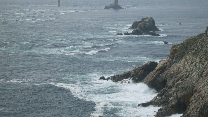 La Pointe du Raz dans le Finistère avec le phare de la Vieille