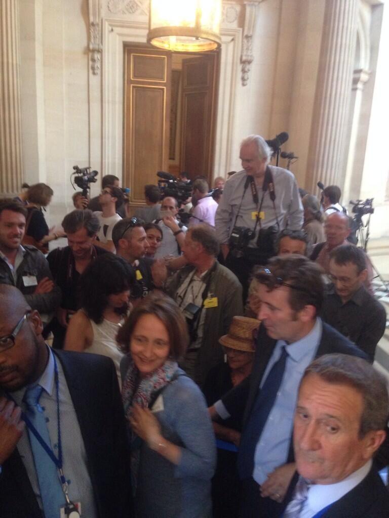 De nombreux journalistes ont attendu la décision du Conseil d'Etat - Renaud Biondi-Maugey - Radio France