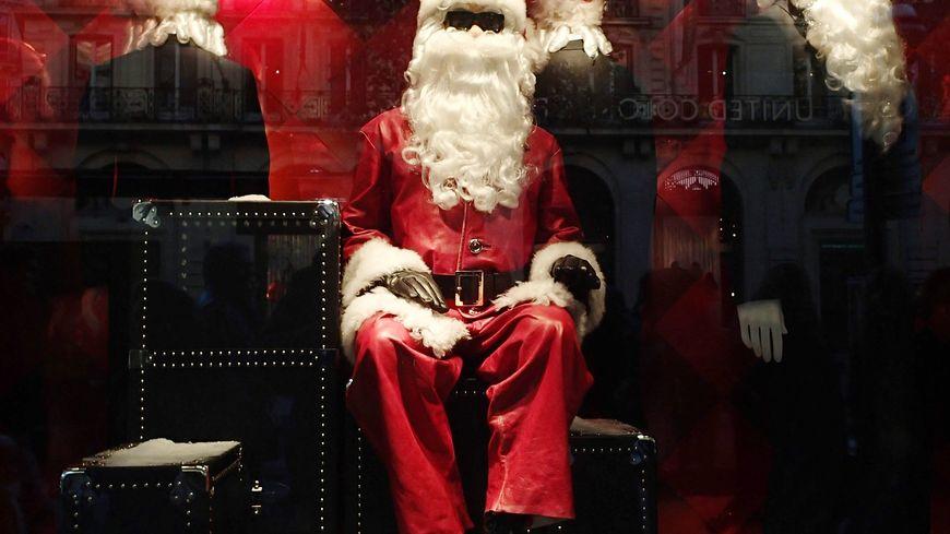 Le braqueur de 32 ans se déguisait en père Noël