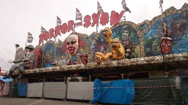 """Le train fantôme """"Horror Show"""" à la fête foraine d'Orléans."""