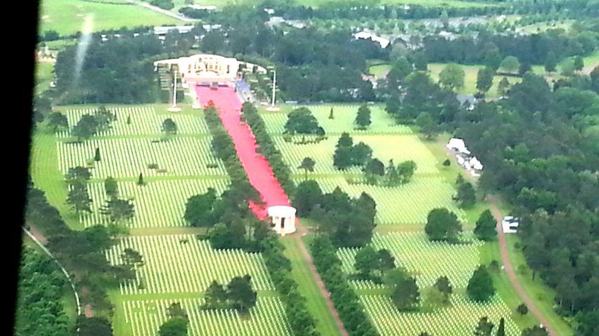 Le tapis rouge est déjà posé pour Barack Obama et les 8.000 invités de la cérémonie prévue au cimetière de Colleville-sur-Mer.