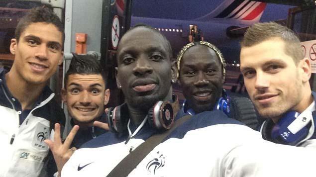 Les Bleus, à l'image de Mamadou Sakho, postent de nombreuses photos sur leurs comptes Twitter