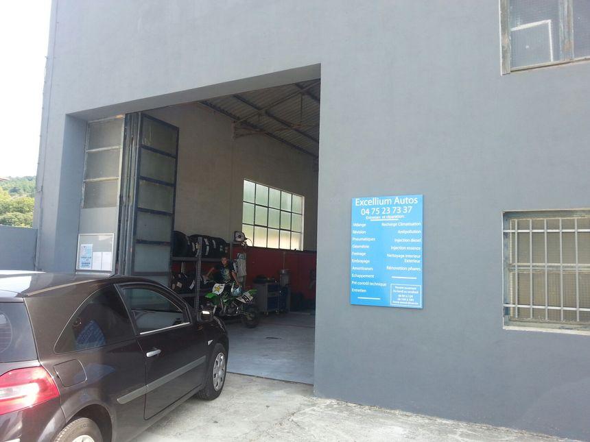 Un garage associatif vous pr te ses outils dans la dr me for Garage associatif ramonville