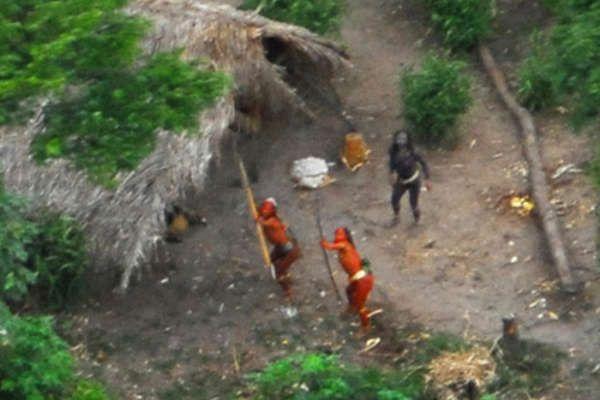 Indiens isolés surpris par vue aérienne