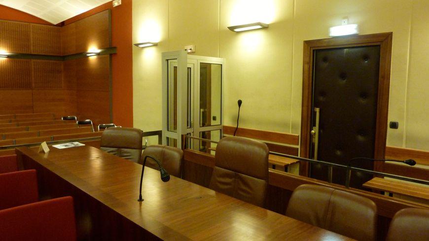 La grande salle au palais de Justice de Valence