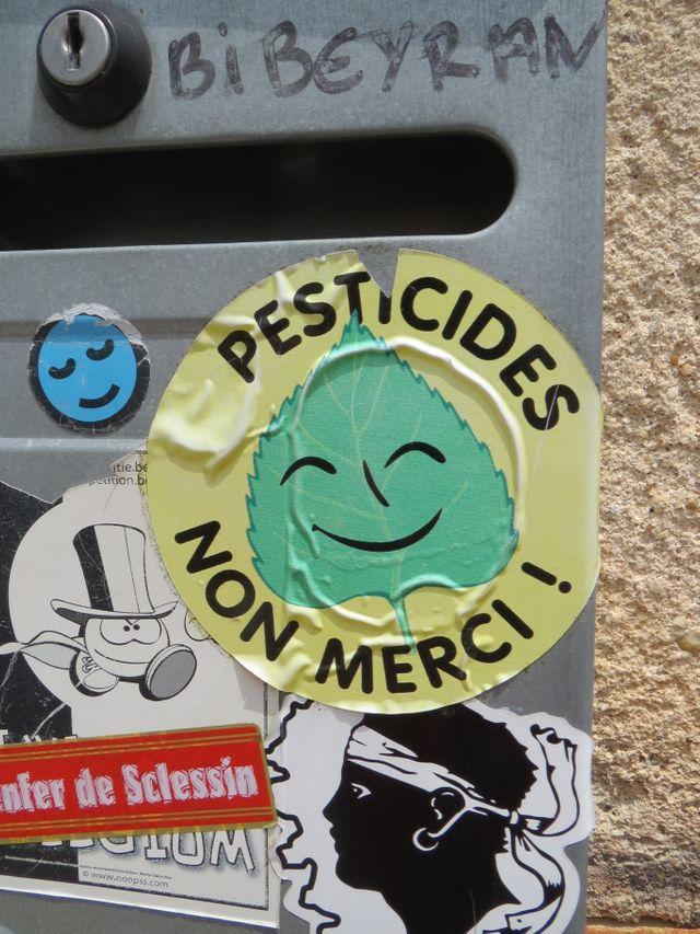 Pesticides, non merci !