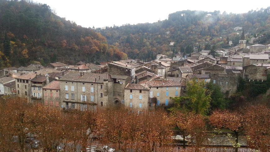 Le centre-bourg de Largentière en Ardèche