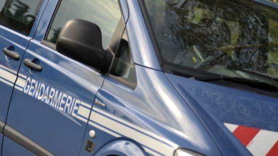Un véhicule de gendarmerie