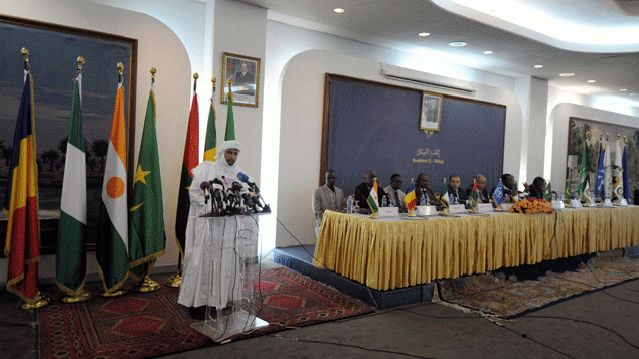 Le secrétaire général du mouvement rebelle touareg malien Azawad lors des négociations de paix en Algérie