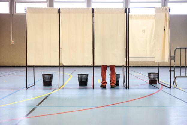 Les élections départementales ont lieu les 22 et 29 mars 2015. - MaxPPP