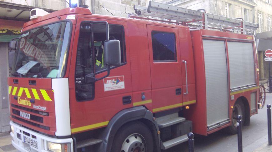 Véhicule de pompiers - illustration -