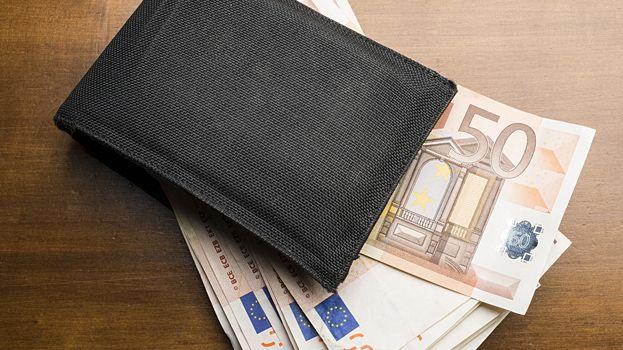 L'homme s'est fait dépouiller de 1900 euros en liquide (illustration).