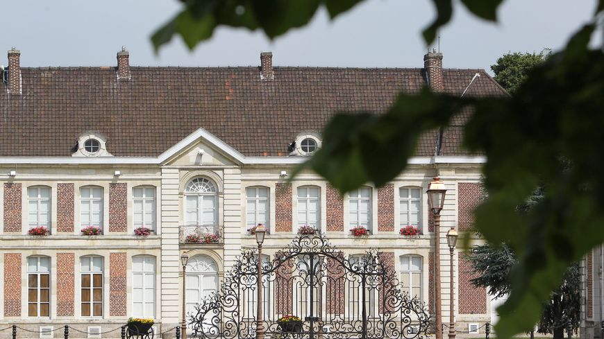 Le chateau de Bernicourt à Roost Warendin