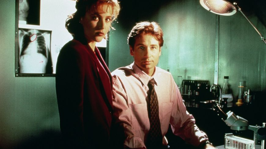 Les agents Mulder et Scully, stars de X-Files