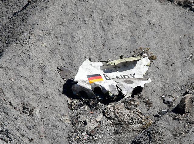Les recherches se poursuivent sur les lieux du crash de l'Airbus A320 de Germanwings.
