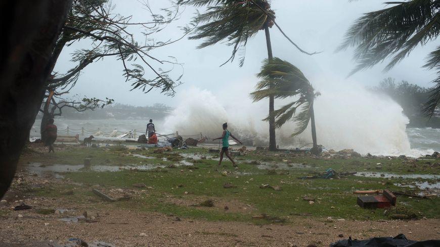 La capitale du Vanuatu, Port Vila, frappée par le cyclone Pam