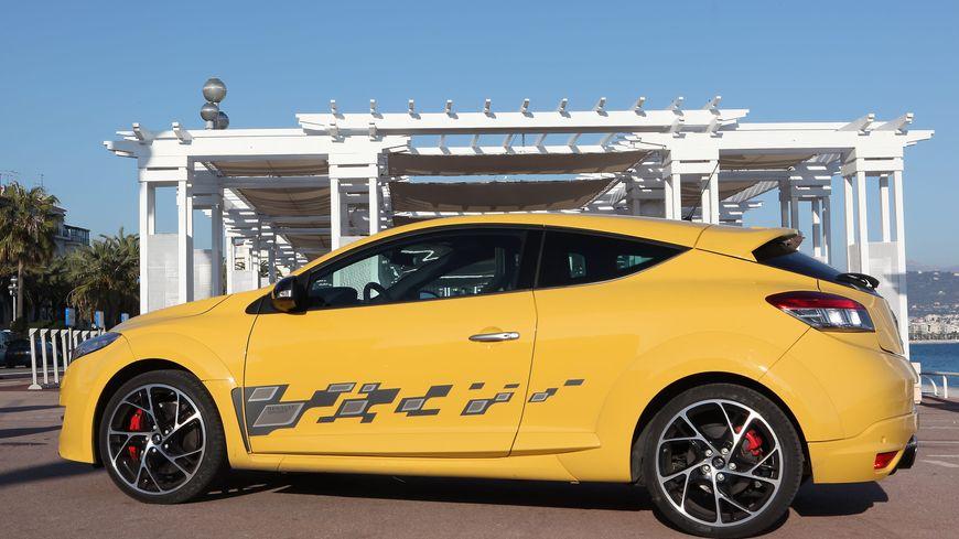La Renault Mégane RS est une voiture qui permet de dépasser rapidement les 200 km.h (illustration)